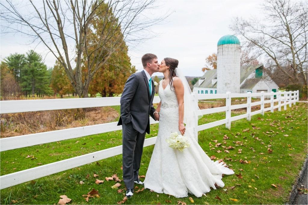 Kate & Tony : Towson Golf & Country Club Wedding